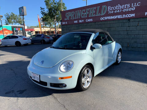2006 Volkswagen New Beetle Convertible for sale at SPRINGFIELD BROTHERS LLC in Fullerton CA