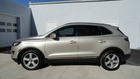 2017 Lincoln MKC for sale at WRIGHT'S in Hillsboro KS