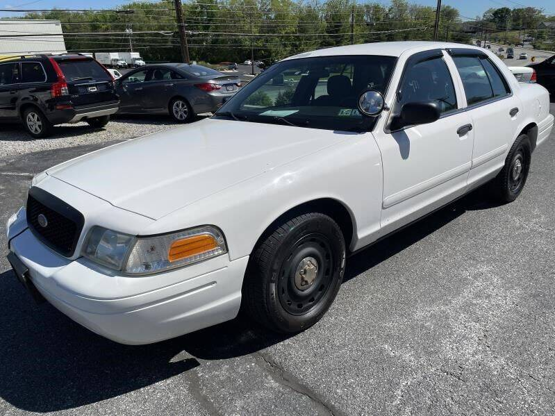 2005 Ford Crown Victoria for sale at Keisers Automotive in Camp Hill PA