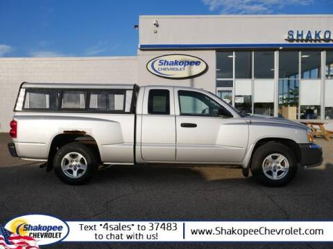 2005 Dodge Dakota for sale at SHAKOPEE CHEVROLET in Shakopee MN