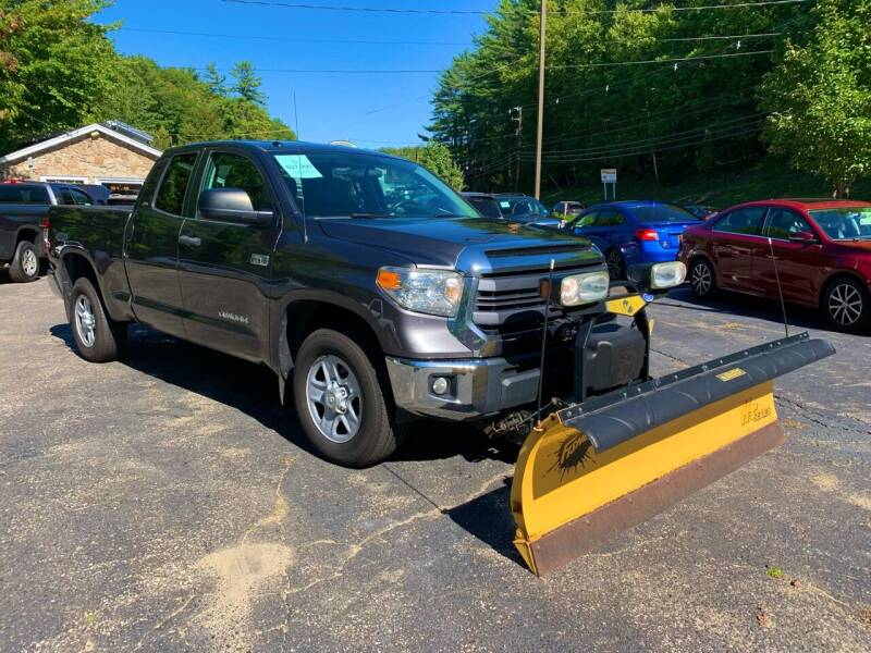 2014 Toyota Tundra for sale at Bladecki Auto LLC in Belmont NH