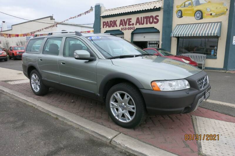 2007 Volvo XC70 for sale at PARK AVENUE AUTOS in Collingswood NJ