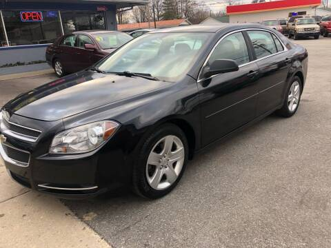 2009 Chevrolet Malibu for sale at Wise Investments Auto Sales in Sellersburg IN