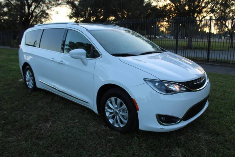 2019 Chrysler Pacifica for sale at Truck and Van Outlet in Miami FL