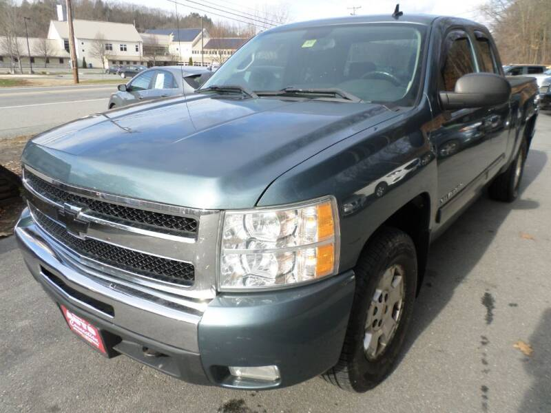2011 Chevrolet Silverado 1500 for sale at AUTO CONNECTION LLC in Springfield VT
