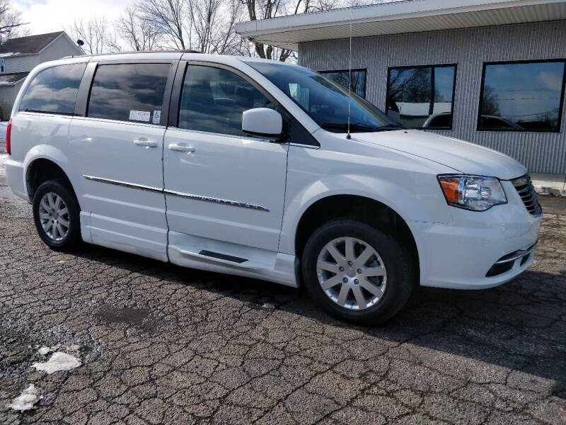 2014 Chrysler Town and Country for sale at The Car Cove, LLC in Muncie IN