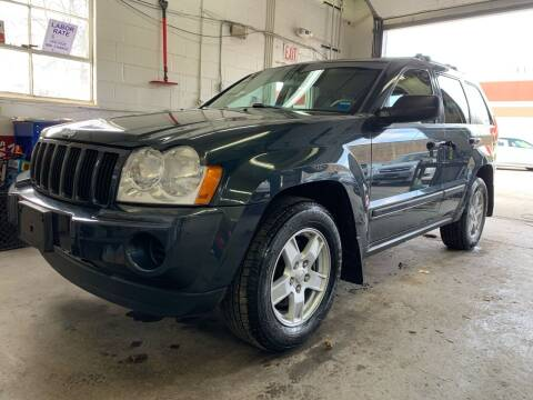 2007 Jeep Grand Cherokee for sale at Auto Warehouse in Poughkeepsie NY