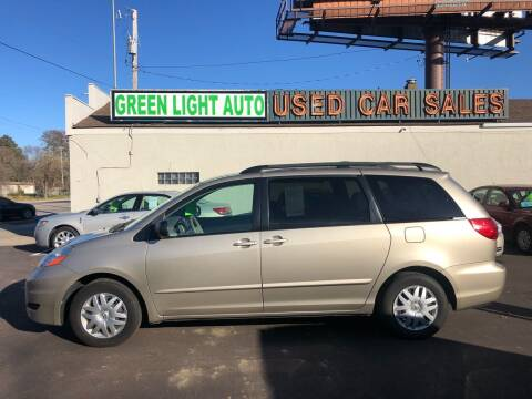 2007 Toyota Sienna for sale at Green Light Auto in Sioux Falls SD