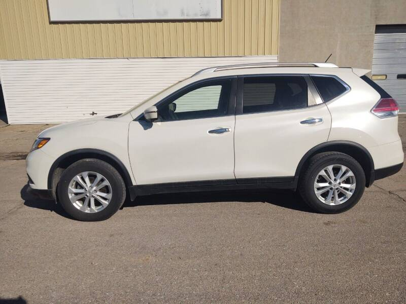 2016 Nissan Rogue for sale at Kardells Auto in Laurel NE
