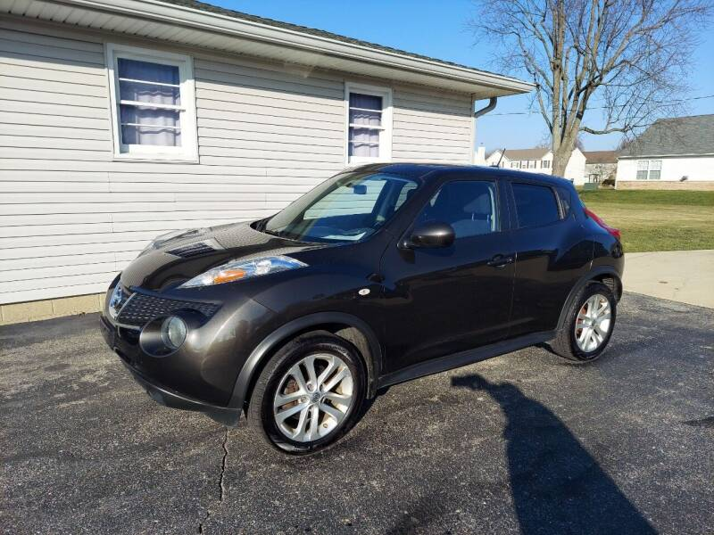 2011 Nissan JUKE for sale at CALDERONE CAR & TRUCK in Whiteland IN