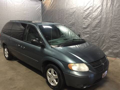 2005 Dodge Grand Caravan for sale at GRAND AUTO SALES in Grand Island NE