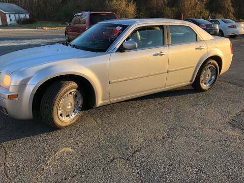 2006 Chrysler 300 for sale at REGIONAL AUTO CENTER in Stafford VA