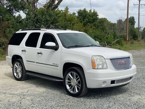 2011 GMC Yukon for sale at Charlie's Used Cars in Thomasville NC