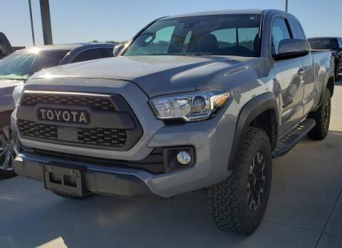 2018 Toyota Tacoma for sale at Lipscomb Auto Center in Bowie TX