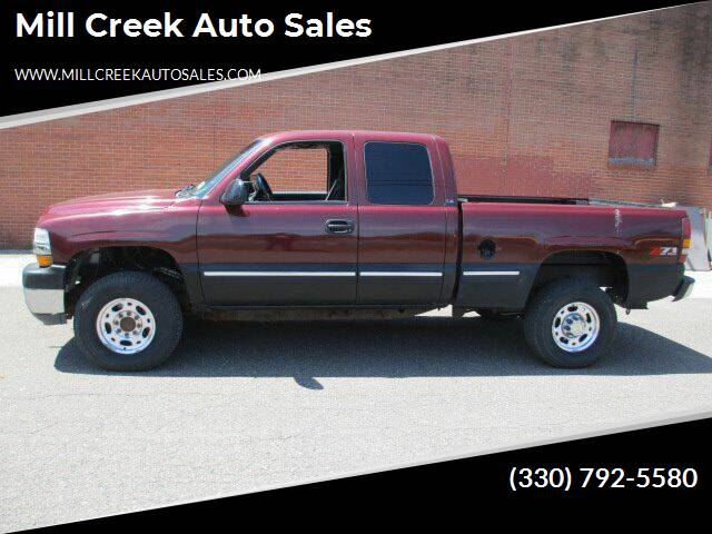 2002 Chevrolet Silverado 2500HD for sale at Mill Creek Auto Sales in Youngstown OH