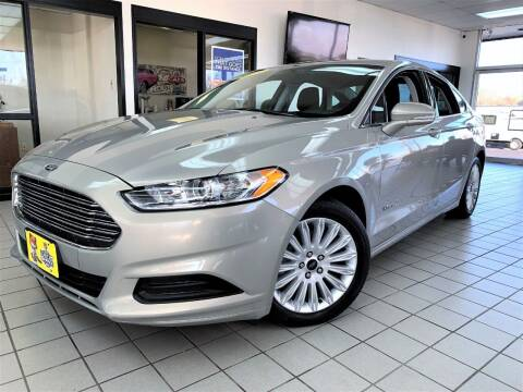 2015 Ford Fusion Hybrid for sale at SAINT CHARLES MOTORCARS in Saint Charles IL