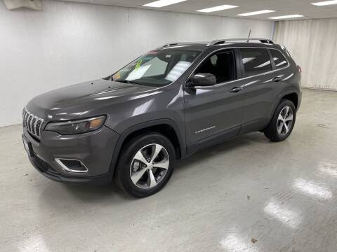 2020 Jeep Cherokee for sale at Kerns Ford Lincoln in Celina OH