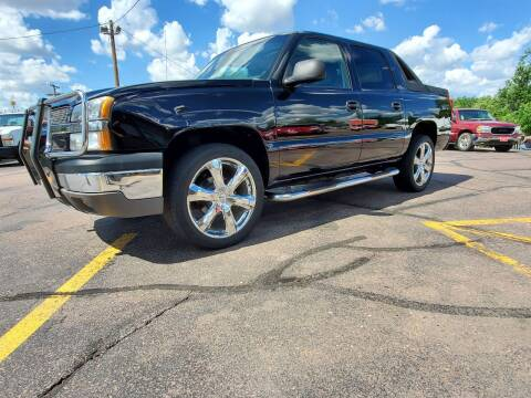 2003 Chevrolet Avalanche for sale at Geareys Auto Sales of Sioux Falls, LLC in Sioux Falls SD