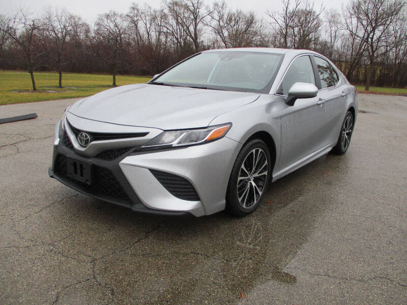 2019 Toyota Camry for sale at Triangle Auto Sales in Elgin IL