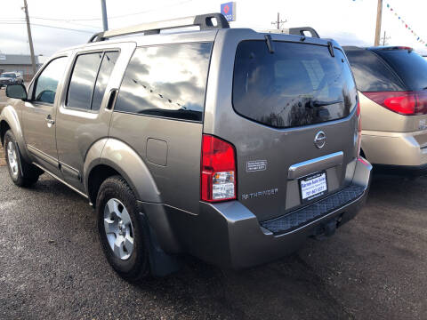 2005 Nissan Pathfinder for sale at BARNES AUTO SALES in Mandan ND