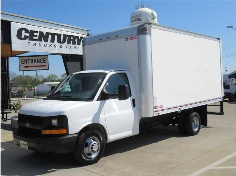 2017 Chevrolet Express Cutaway for sale at CENTURY TRUCKS & VANS in Grand Prairie TX