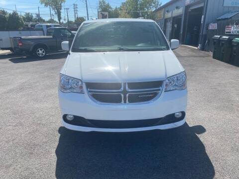 2017 Dodge Grand Caravan for sale at Everything Automotive in Tonawanda NY