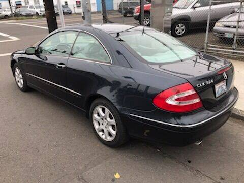 2004 Mercedes-Benz CLK CLK 320 2dr Coupe - Portland OR