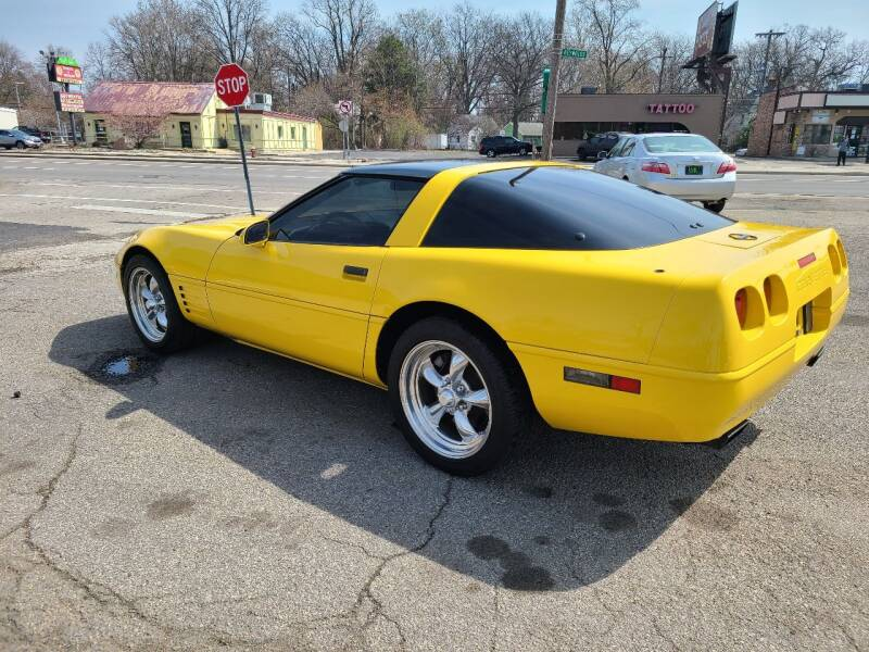 1991 Chevrolet Corvette for sale at Johnny's Motor Cars in Toledo OH