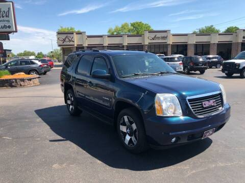 2007 GMC Yukon for sale at ASSOCIATED SALES & LEASING in Marshfield WI