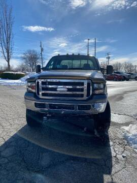 2006 Ford F-250 Super Duty for sale at VENTURE MOTORS in Wickliffe OH