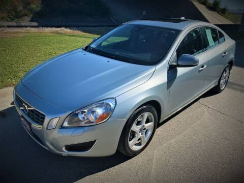 2013 Volvo S60 for sale at Apple Auto in La Crescent MN