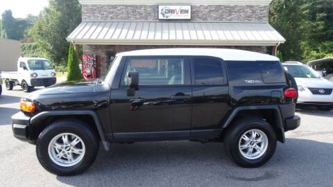 2007 Toyota FJ Cruiser for sale at Driven Pre-Owned in Lenoir NC