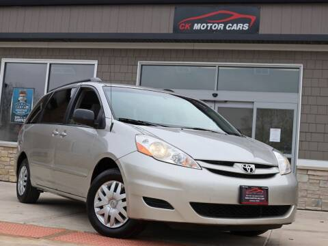 2006 Toyota Sienna for sale at CK MOTOR CARS in Elgin IL