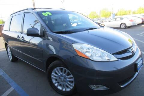2009 Toyota Sienna for sale at Choice Auto & Truck in Sacramento CA