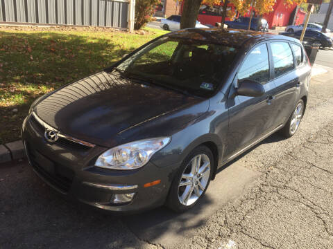 2009 Hyundai Elantra for sale at UNION AUTO SALES in Vauxhall NJ