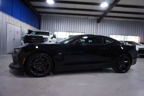 2018 Chevrolet Camaro for sale at SOUTHWEST AUTO CENTER INC in Houston TX