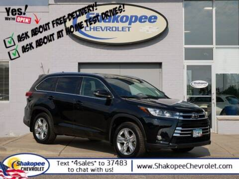 2017 Toyota Highlander for sale at SHAKOPEE CHEVROLET in Shakopee MN