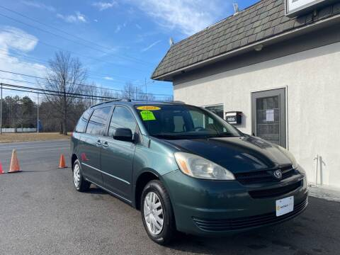 2005 Toyota Sienna for sale at Vantage Auto Group in Tinton Falls NJ