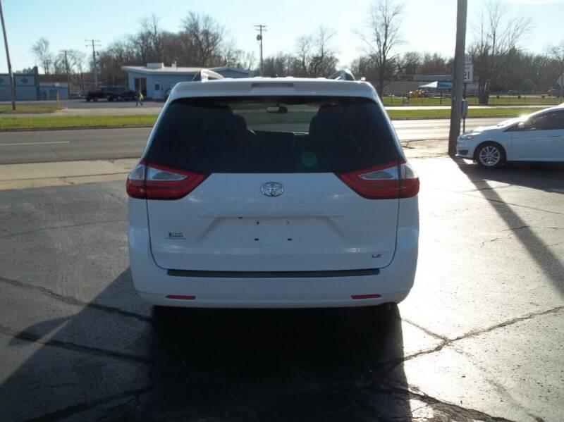 2015 Toyota Sienna LE 8-Passenger 4dr Mini-Van - Decatur IL