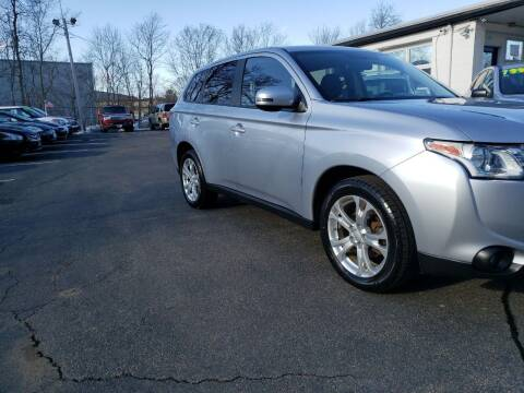 2014 Mitsubishi Outlander for sale at Highlands Auto Gallery in Braintree MA