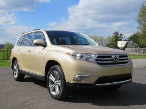2013 Toyota Highlander for sale at Sevierville Autobrokers LLC in Sevierville TN