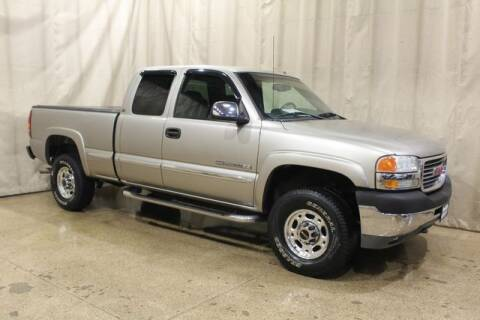 2002 GMC Sierra 2500HD for sale at AutoLand Outlets Inc in Roscoe IL