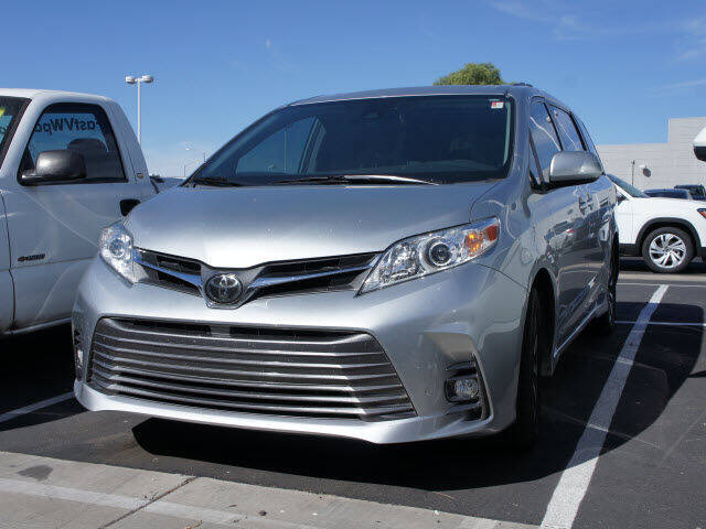 2019 Toyota Sienna for sale at CarFinancer.com in Peoria AZ