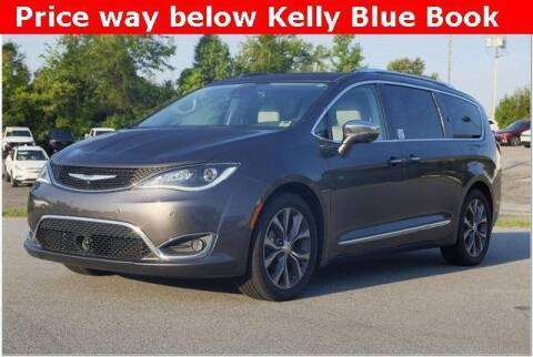 2017 Chrysler Pacifica for sale at WHITE MOTORS INC in Roanoke Rapids NC