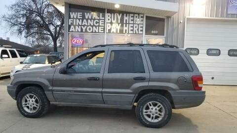 2000 Jeep Grand Cherokee for sale at STERLING MOTORS in Watertown SD
