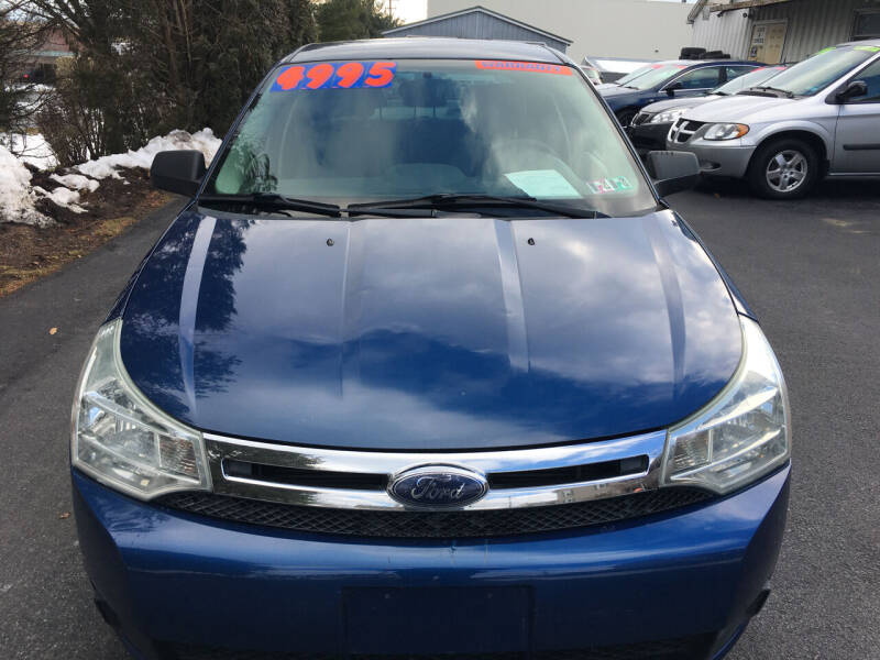 2009 Ford Focus for sale at BIRD'S AUTOMOTIVE & CUSTOMS in Ephrata PA