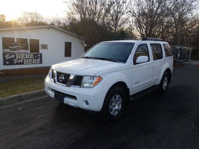 2005 Nissan Pathfinder for sale at TR MOTORS in Gastonia NC