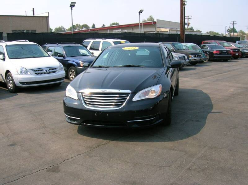 2014 Chrysler 200 for sale at Avalanche Auto Sales in Denver CO
