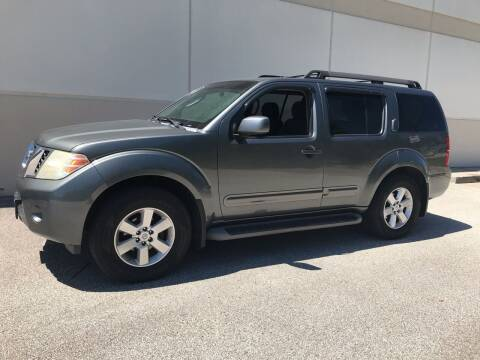 2009 Nissan Pathfinder for sale at Crowne Motors in Newton IA