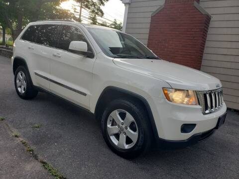 2011 Jeep Grand Cherokee for sale at CRS 1 LLC in Lakewood NJ